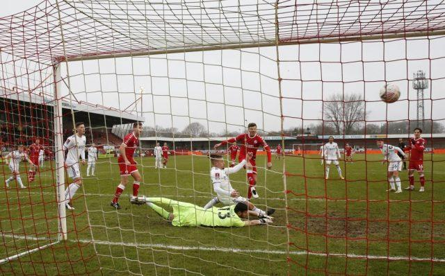 Crawley-Town-3-0-Leeds-United